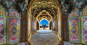 kunang-nasir-al-mulk-mosque-shiraz-iran.