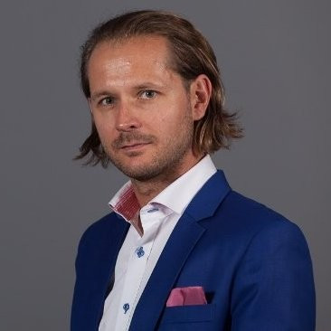 Łukasz Żukowski, director of SMB & Retail sales at Veracomp