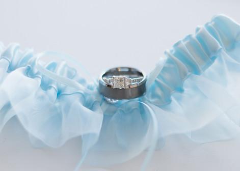 wedding rings blue garter