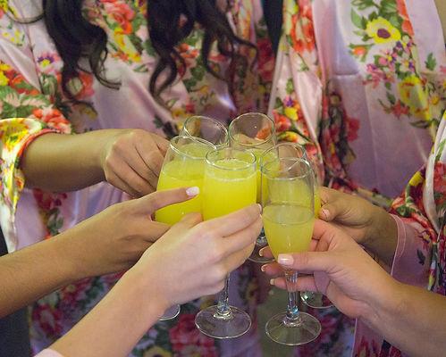 White_cheers_2.jpg