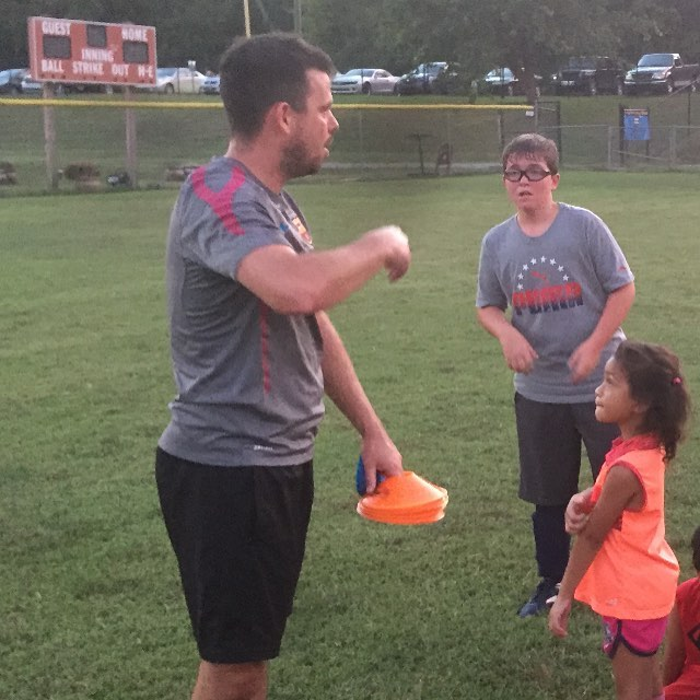 Former _nashville_fc player Alan O'Connor volunteers his time with the youth in Antioch! #SusewindLe