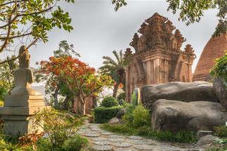 Mundo 028-Templo Yan Po Nagar, Vietnam.jpg