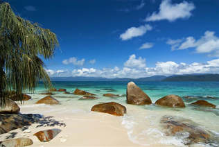 Praia 011-Rochas no mar.jpg
