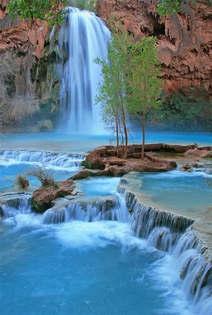Natureza 013-Cachoeira azul.jpg