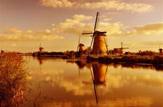 Mundo 050-Moinhos holandeses.jpg