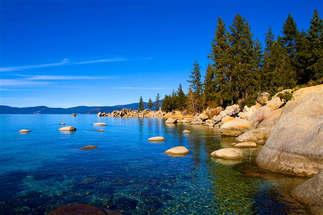 Natureza 005-Lago com rochas.jpg