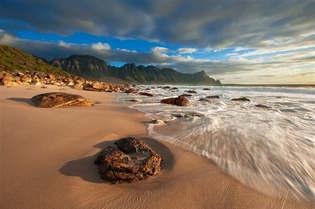 Praia 023-Rochas na Costa do Cabo.jpg