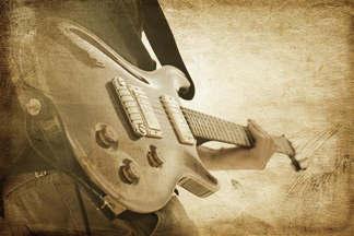 Antique 018-Guitarrista envelhecido.jpg