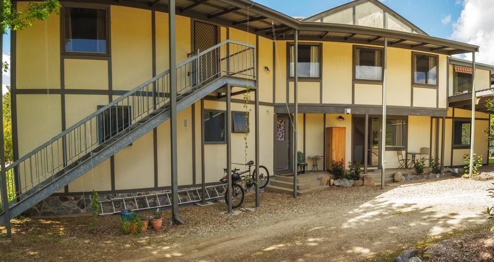 Alpzview Guesthouse