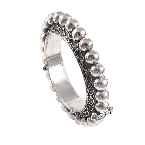 Silver Adorable Beautiful Design Bangle