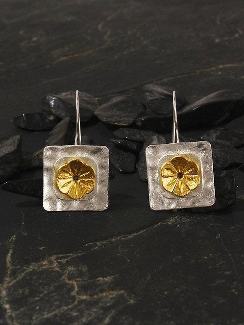 Berserk Gold-Silver Plated Geometric Floral Loops