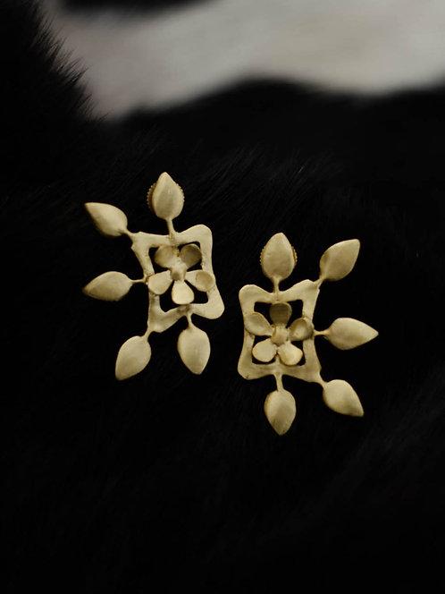 Berserk Gold Plated Floral Carved Earrings