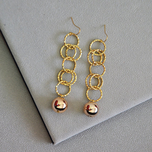 Savannah Gold Hoop Earrings