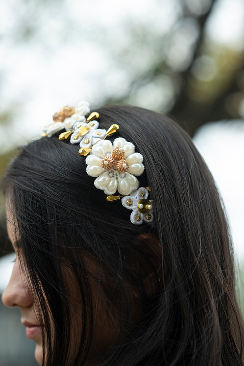White and Gold Pearl Flower Headband