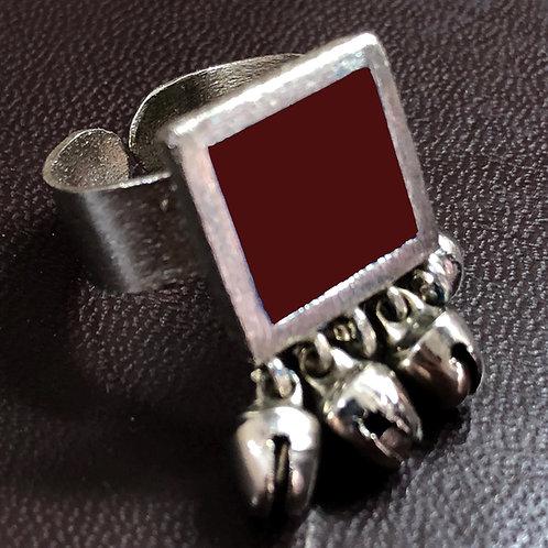 Elegant ring - maroon