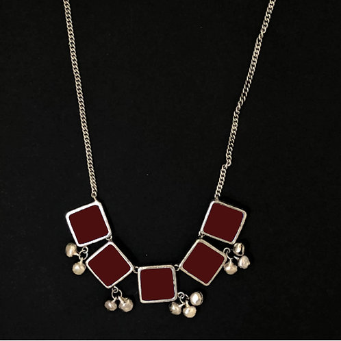 Square long necklace - maroon