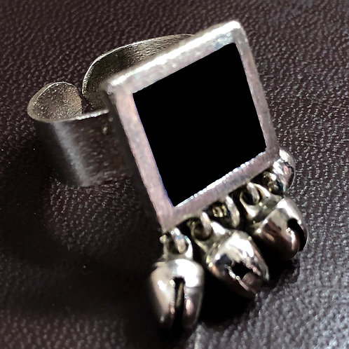 Elegant ring - black