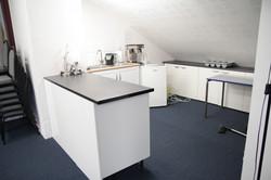 7 Upper kitchenette