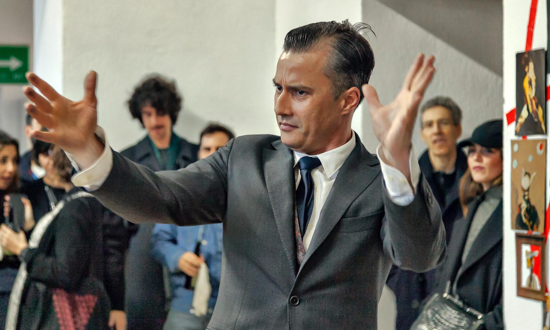 Performance 'El orador', con Daniel Méndez