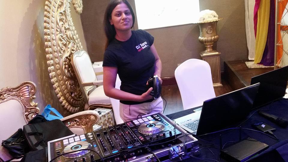 Female DJ Tara Manchester