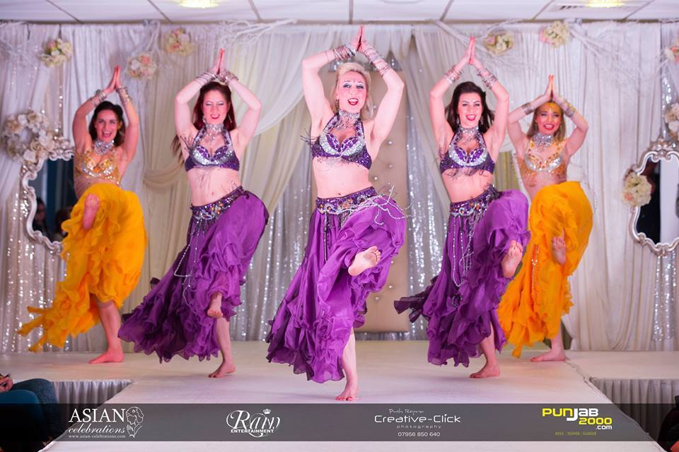 Apnabeat bollywood Dancers