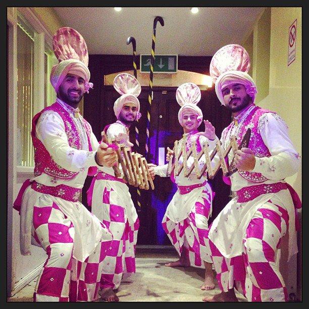 Apnabeat Bhangra Dancers Tohr Punjab
