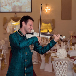 Manchester Bollywood Violinist
