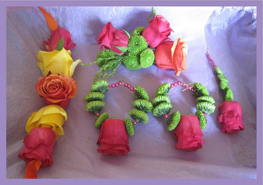 Mehndi Flower Garlands : Fresh floral garlands manchester