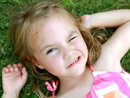 Alert on Children Photophobia