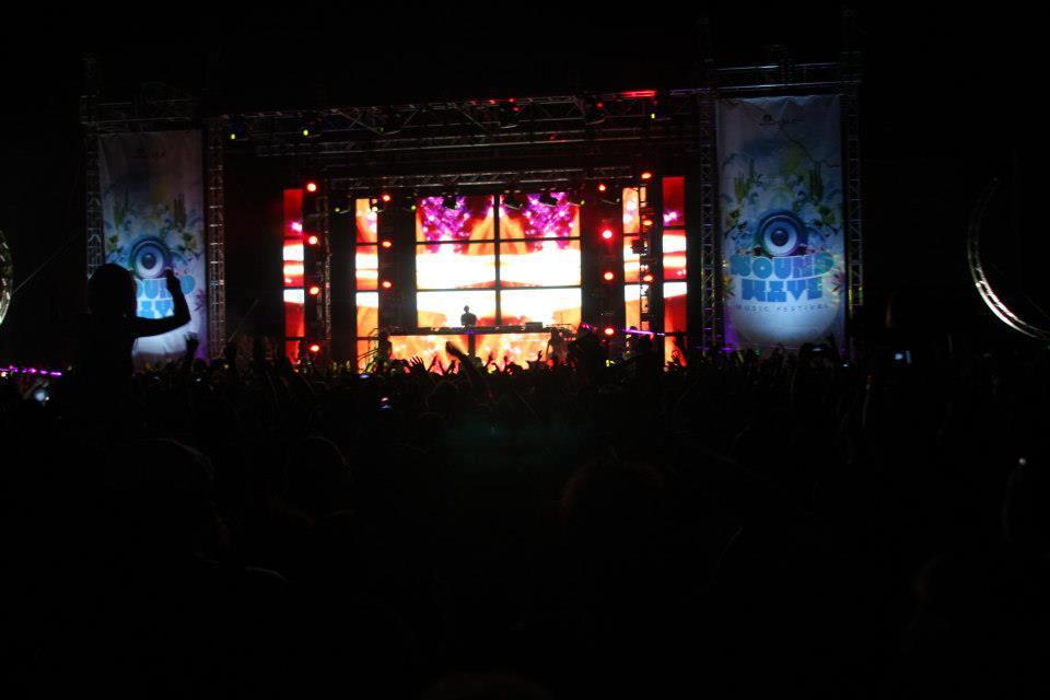Calvin Harris Live @ Soundwave 2013