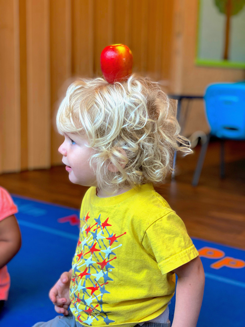 Toddlers learn about science concepts wi
