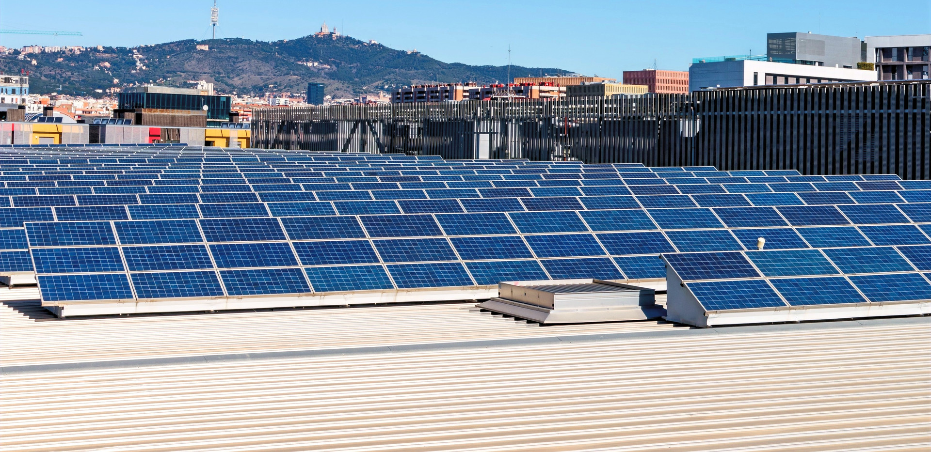 Canva%20-%20Field%20Photovoltaic%20solar
