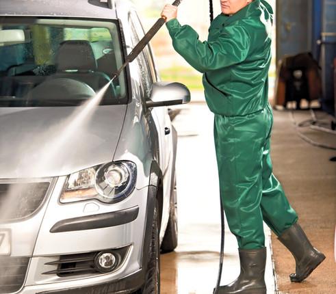 Canva%20-%20Worker%20Cleaning%20Car%20wi