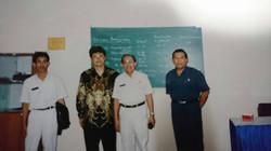 インドネシア政府と創業者の写真