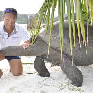 Riesenschildkroete, diese Tiere koennen weit ueber 100 Jahre alt werden