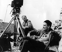 Ingmar Bergman under filmoptagelser på Fårö med sin fotograf Sven Nykvist