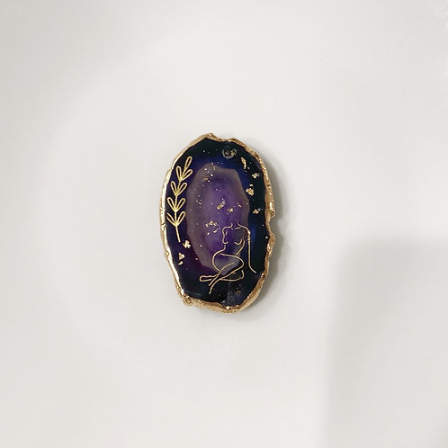 Feminine -purple agate