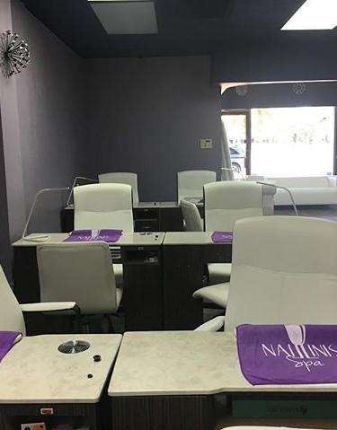 Naillinis Manicure Area