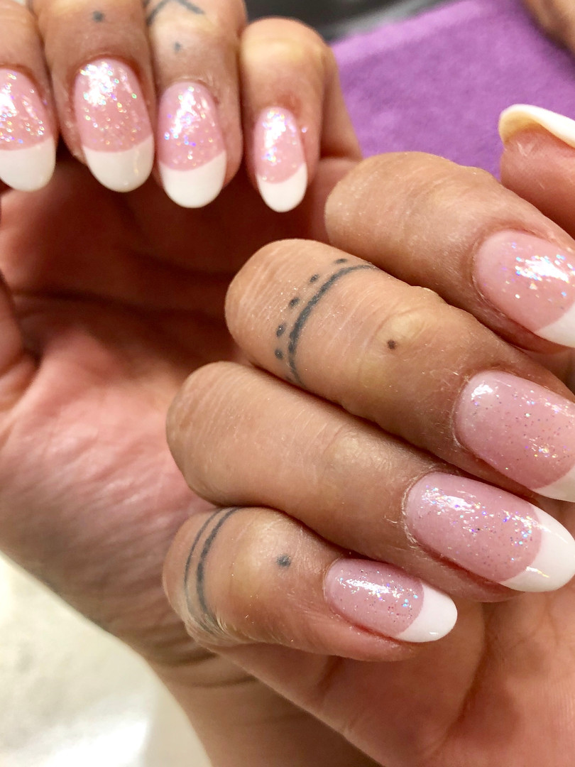 Naillinis manicure white french tip