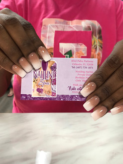 Naillinis manicure with pink white nails