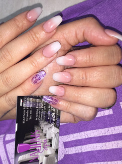 Naillinis manicure acrylic nails with accented pinkie 2