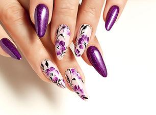 Naillinis nail enhancemen services