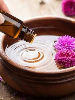 Lucidmendraspa-Aromatherapy-Massage 2.jpg