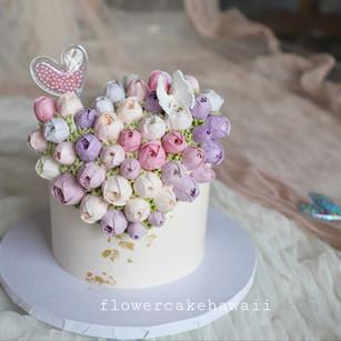 Rose Bud Heart Cake