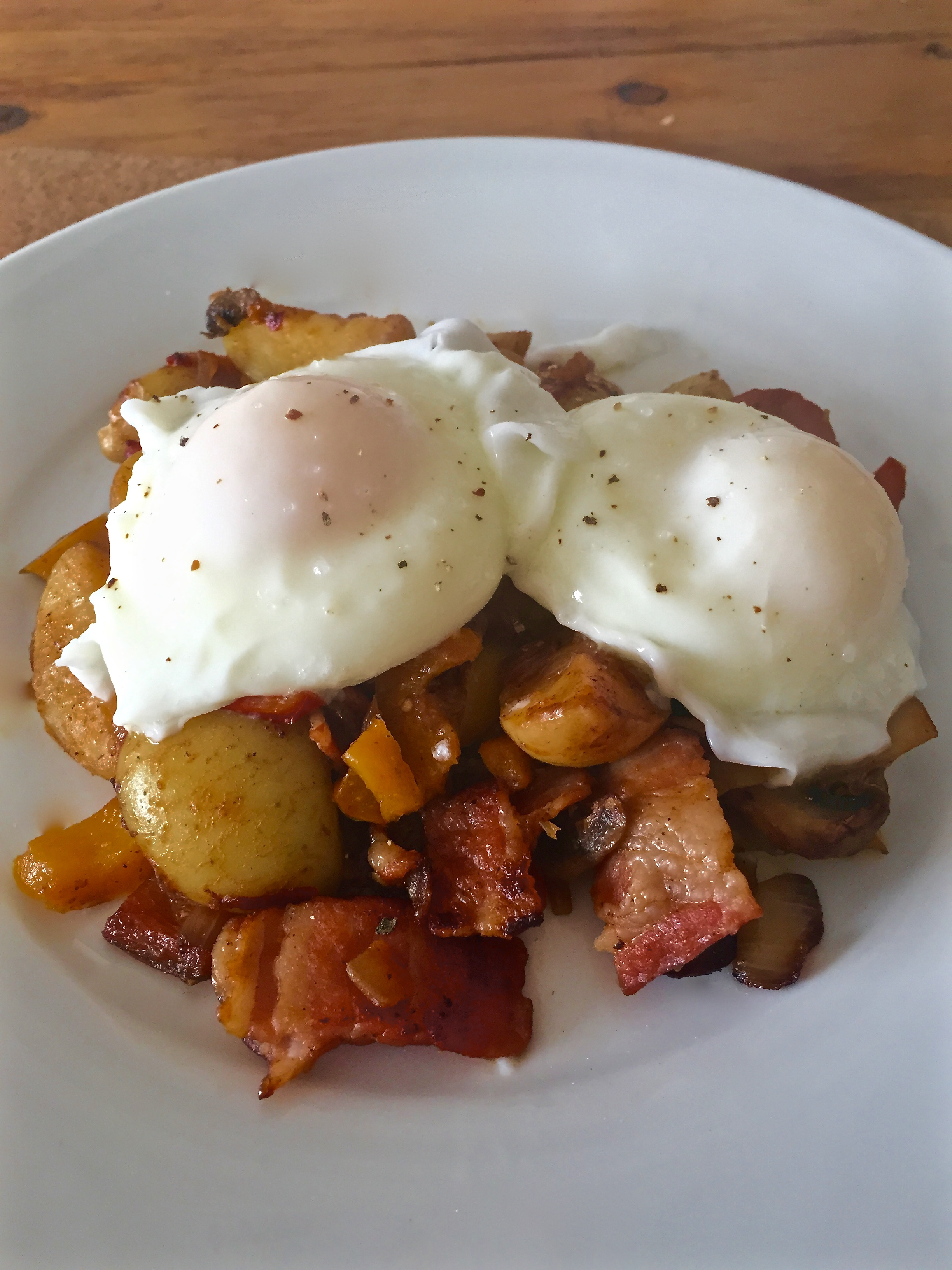 Spicy Potatoes and Poached Eggs