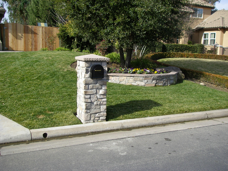 Mailbox stone with Eldorada Peak Cap