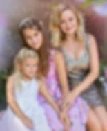 Dreamy family portrait in Maymont park.