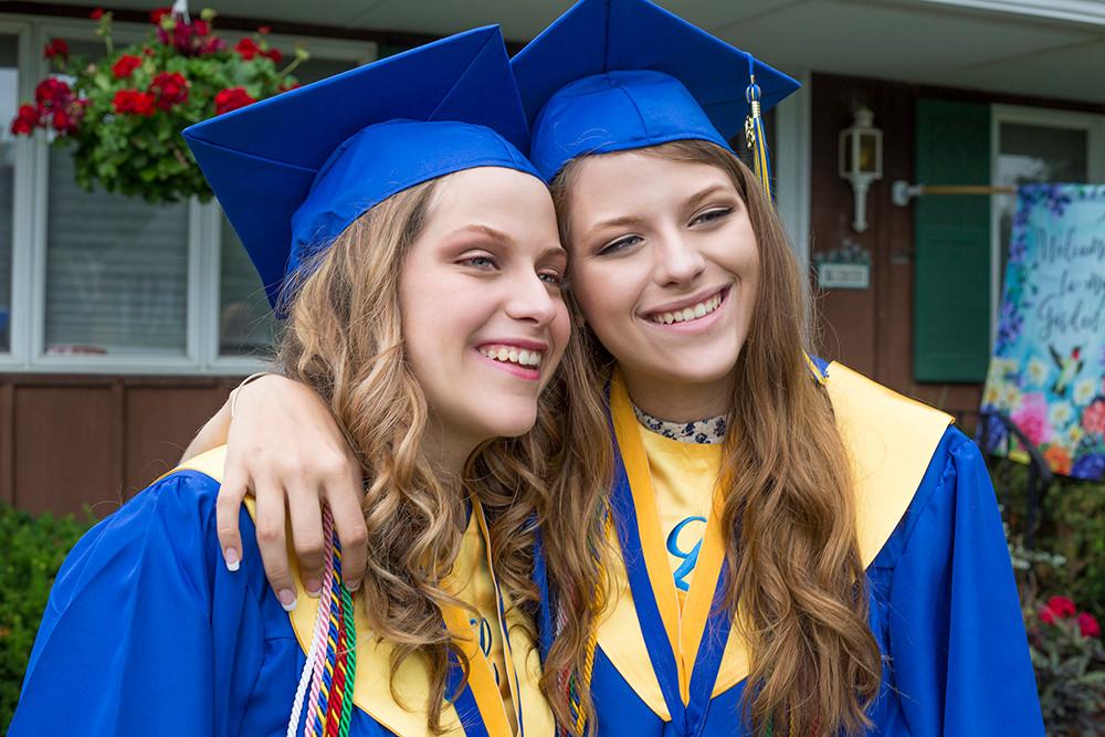 Graduation portraits. Twins.