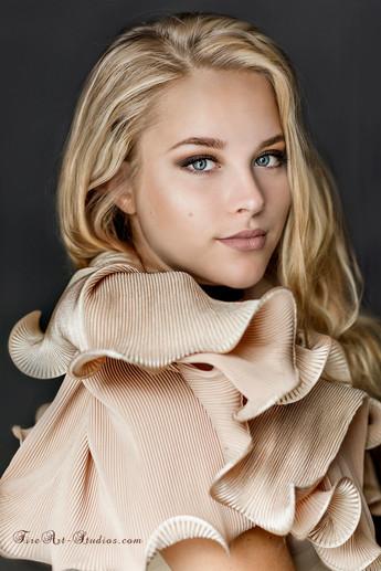 Fashion & Beauty Portraits.