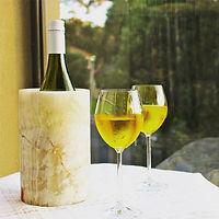 Onyx Wine Bottle Clooer